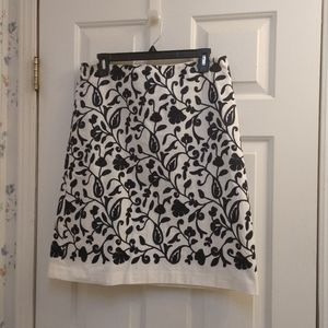 💞💞 Talbots Floral Country Embroidered Skirt